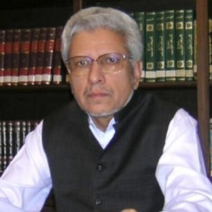 Javed Ghamidi in his library
